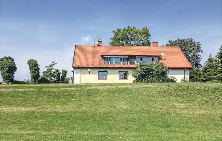 Stunning home in Smygehamn with Sauna and 3 Bedrooms