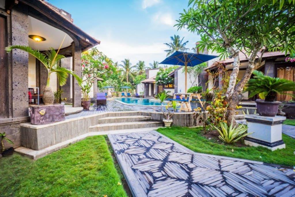 Welcome in Pondok Frangipani