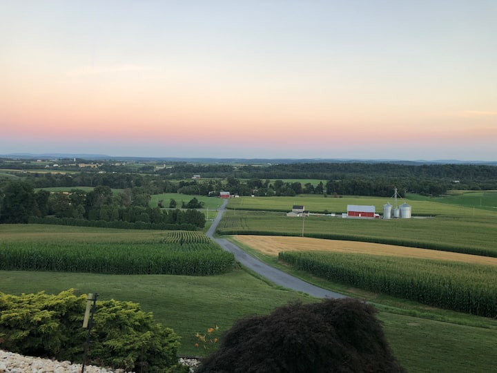 Harvest Hill -Fredericksburg Home with a View
