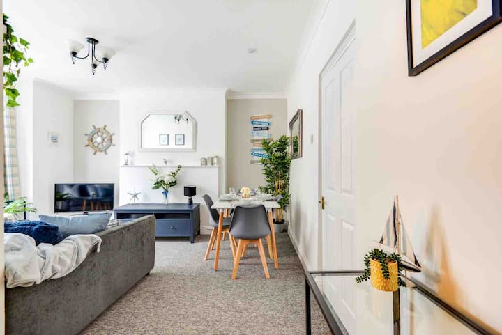 2 Bed Queens Square Brighton