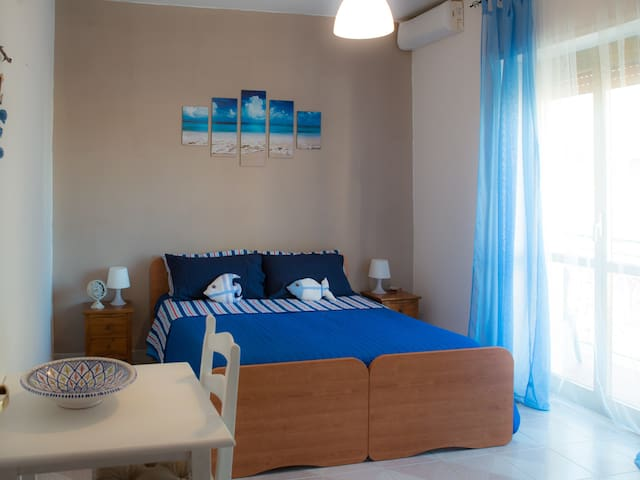 DUE MINUTI DAL MARE B&B CALYPSO - Lido di Ostia - Appartement