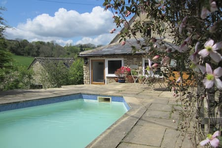 Shrove Cottage Bed and Breakfast - Chedworth, Cheltenham - Pousada
