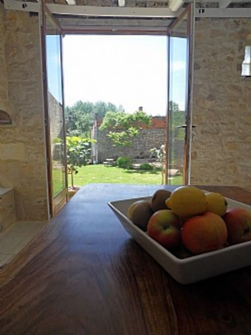 Breakfast room, with views to back garden. Relaxing, south facing, tranquil room.
