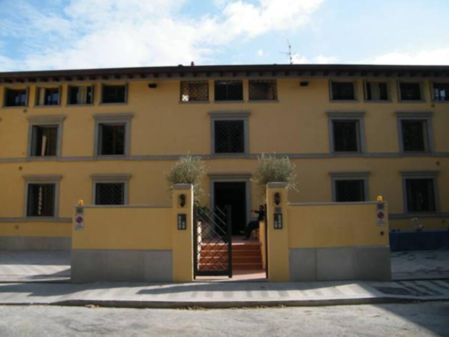 un edificio signorile nel centro della città  dotato di tutte i moderni confort