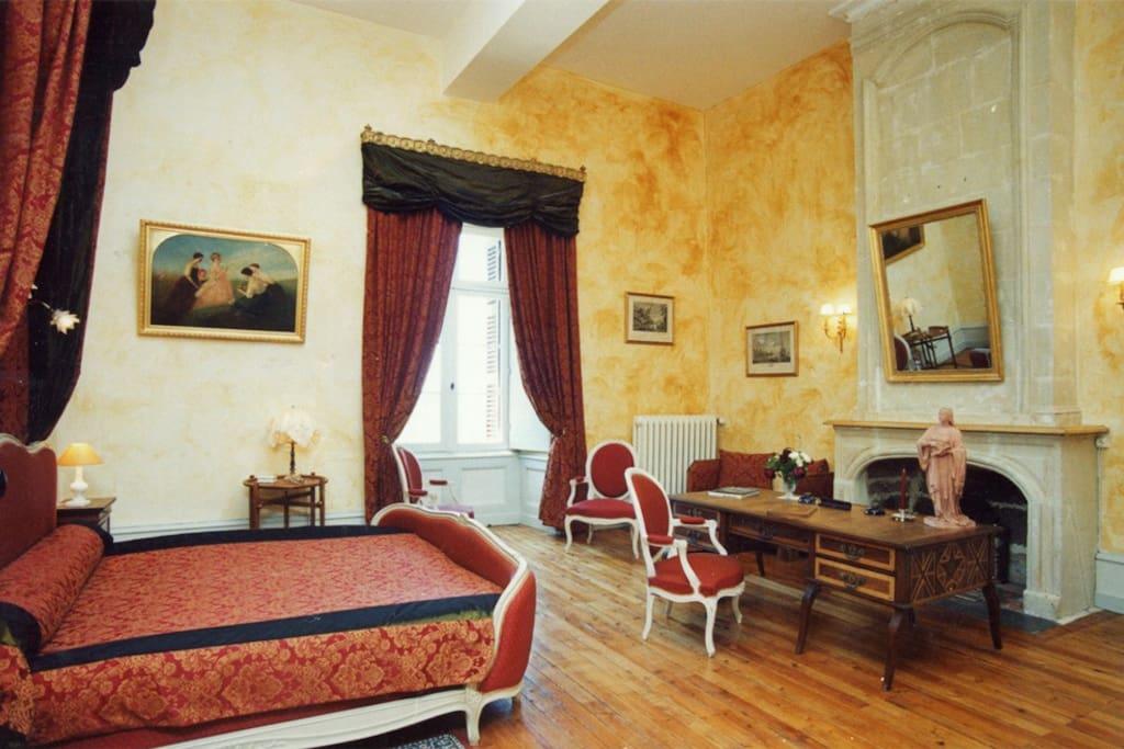 La chambre de Piolant et son lit King side