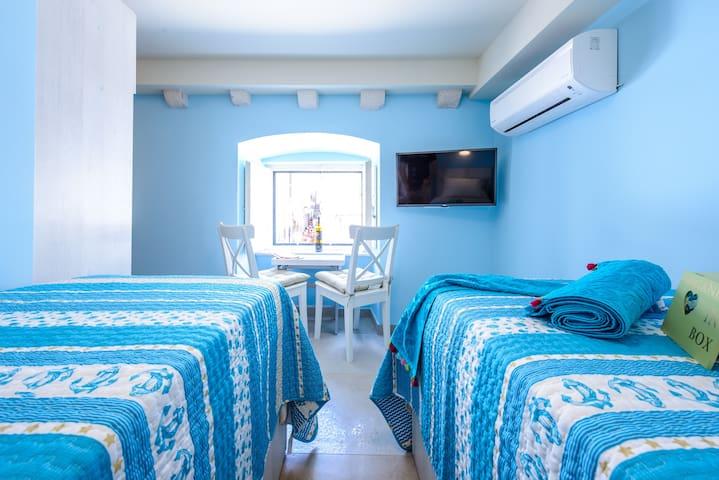 NEW!Stradun view En suite bedroom, 2single/1double - Dubrovnik - House