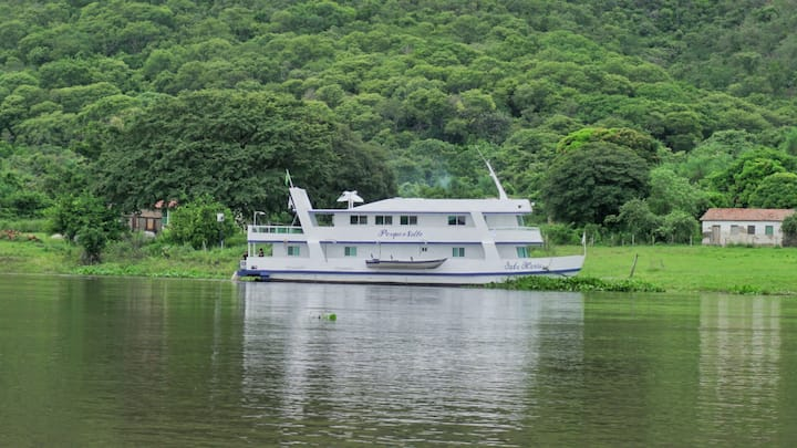 Iate Maria - pesca esportiva no Pantanal
