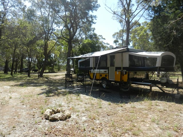 Luxury Airconditioned Camp Trailer-StunningAcreage