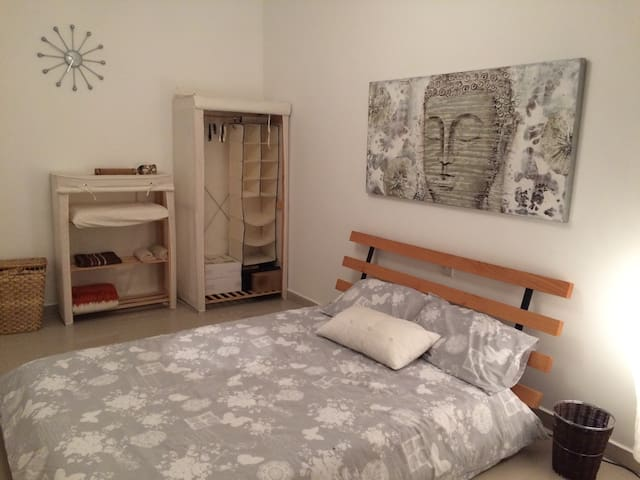 Double bedroom, Mosta, the heart of Malta - Il-Mosta - Daire