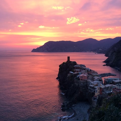 From your room you will have one of the best seaview of Vernazza