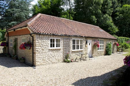 KINGFISHER COTTAGE, DALBY FOREST - Pickering - Rumah