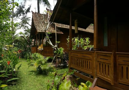 Wooden house in Ubud #Shinta - Payangan