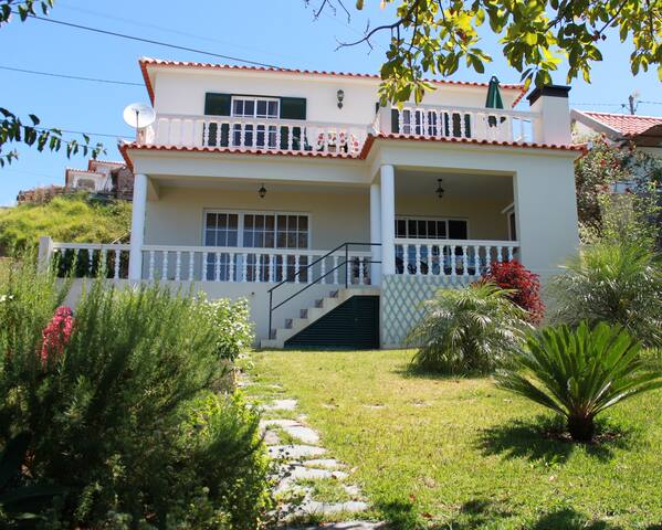Beautiful Villa With Ocean Views - Estreito da Calheta - Casa de campo