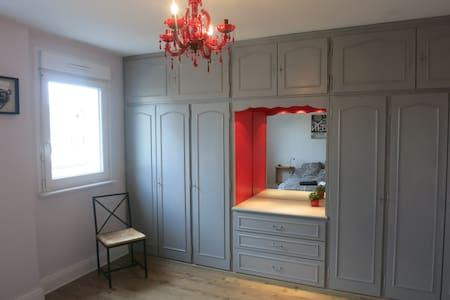Spacious room in Colmar (Alsace) - Apartment