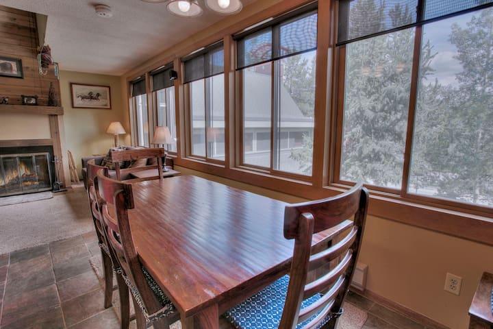 Dining area / wood fireplace