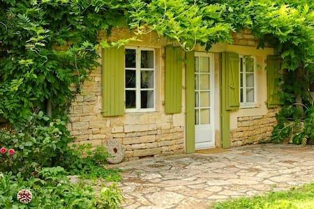 Cosy villa in Poitou Charentes pool - Clussais-la-Pommeraie - Talo