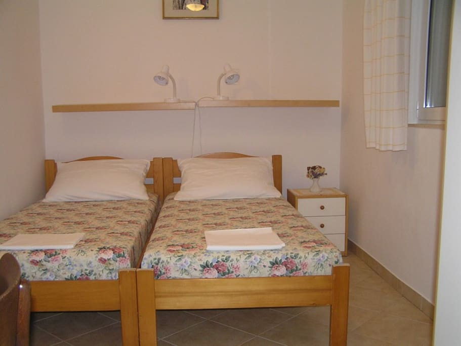 Apartment B bedroom