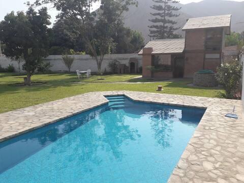 Casa de campo en Cieneguilla con piscina