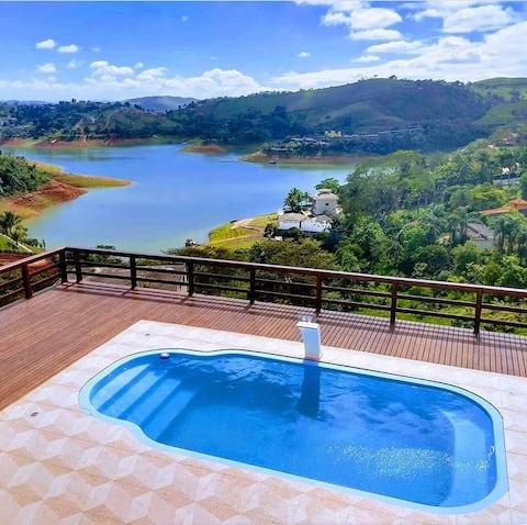 Linda casa com a vista para represa de Igaratá