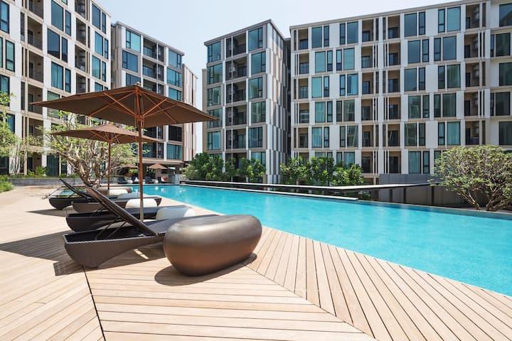 "Luxury & Cozy Condo In Phuket ""The Base uptown"""