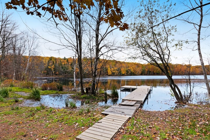 Secluded lakefront home w/private dock, fireplace, & outdoor firepit - dogs OK!