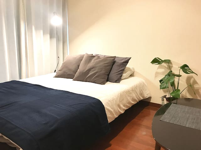 3-7mins walk to Roppongi, Cozy APT, Free WiFi