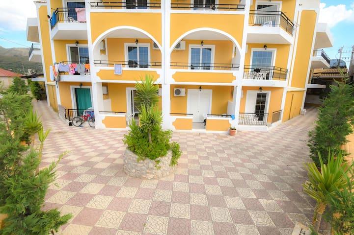 Hotel Apartment No12
