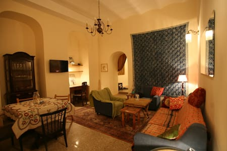 Spacious apt. in the heart of Old Tbilisi - Tbiliszi