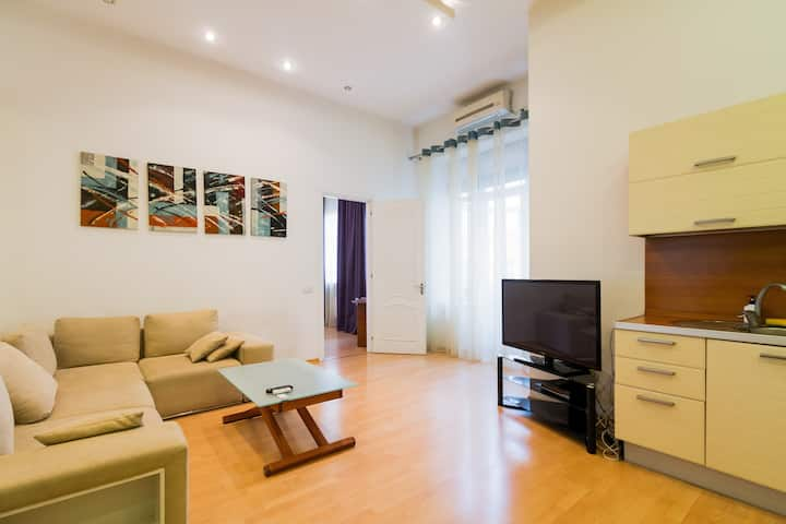 Lovely Modern Apartment Next to Lva Square ID 949