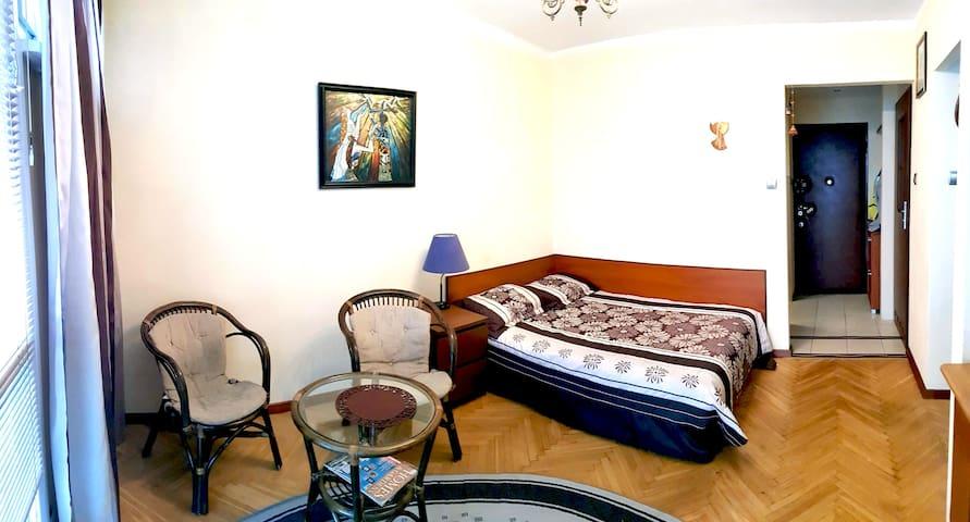 Warszawa - przytulne studio w sercu warszawy.