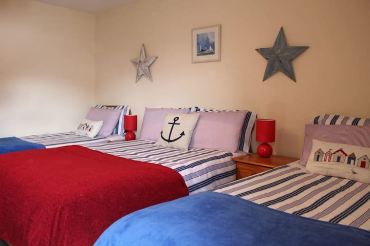 Seawinds B&B, family sized bedroom ensuite
