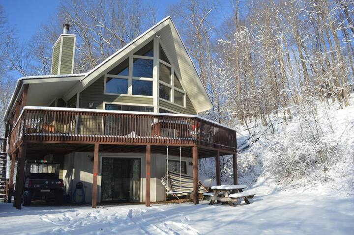 Private Wooded Cabin 4 Bedroom Lake Access Hot Tub