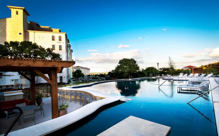 Fancy Apartment  near La Cantera
