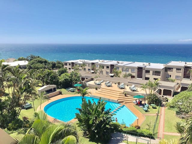 Beautiful 2-bed beach apartment with SEA VIEWS!!!! - Umdloti - Apartment