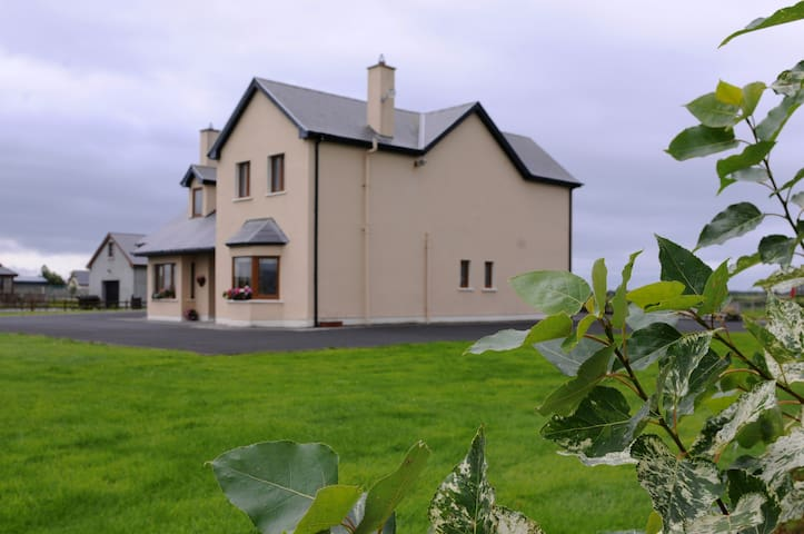 Private Rooms in Kilmoyley South - Kilmoyley South, Ardfert - House