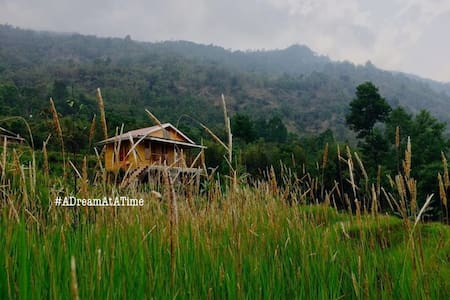 Auks Farm - Darjeeling - กระท่อม