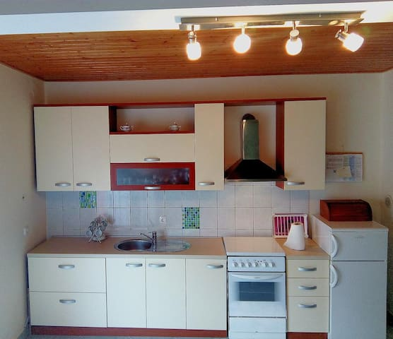 Two bedroom house with air-conditioning Sutomišćica, Ugljan (K-11622)