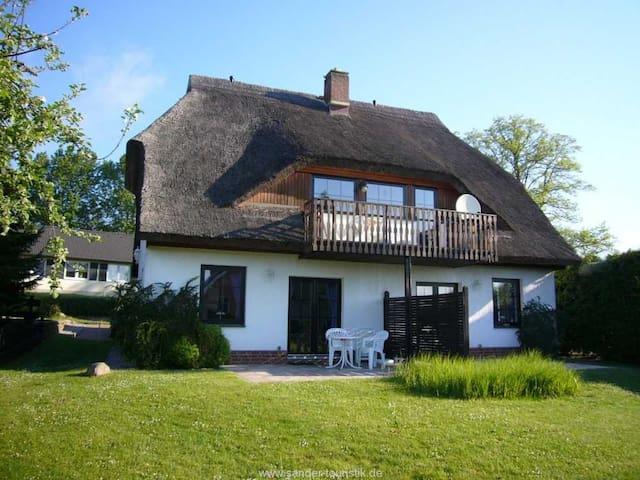 Haus Möwe, Wohnung 01 - Lancken-Granitz - Дом