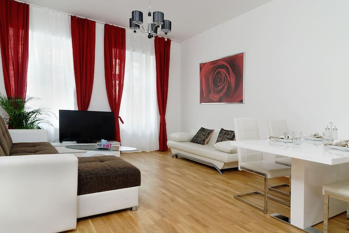 Grand central city apt. Mitte 4 rooms