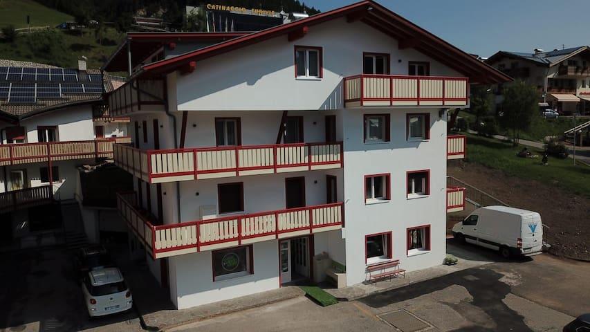 """Appartamento nel Cuore delle Dolomiti """"Villa Dani"""""""