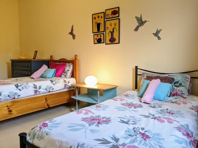 Private twin room, close to beaches & night life