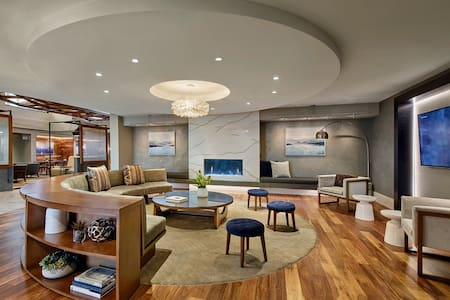 New Luxury 1BD Apt | Professional Onsite Team