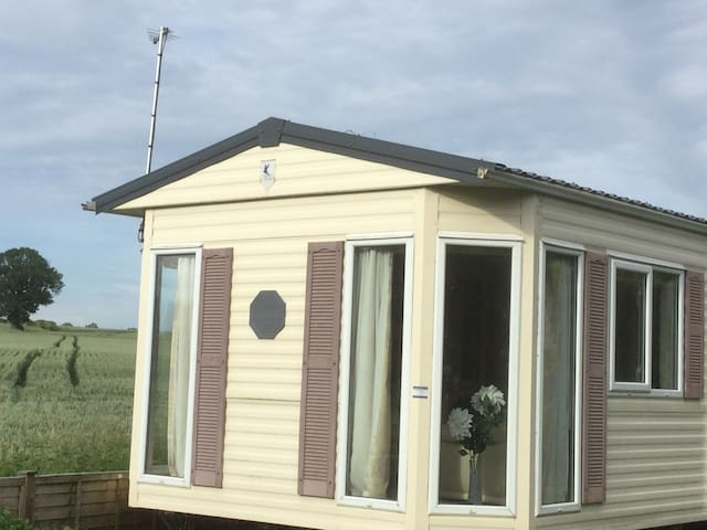 Lovely mobile home with open countryside views