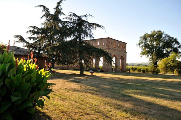 Eco gîtes de charme près de Toulouse - Cintegabelle - Natuur/eco-lodge