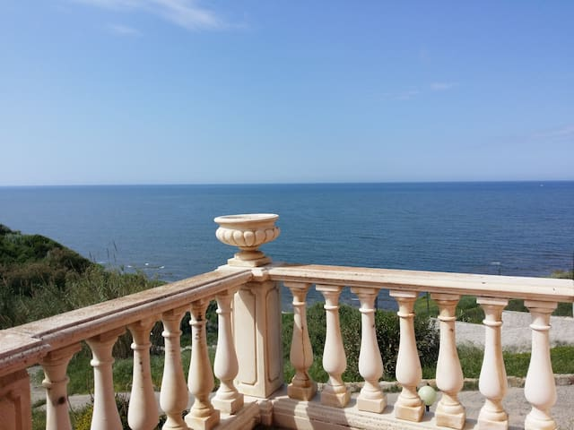 Splendidi appartamenti sul mare - La Ciaccia - Casa