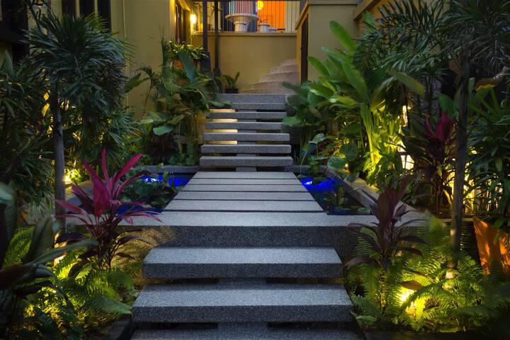 Lovely entrance to Butterfly Garden Villa