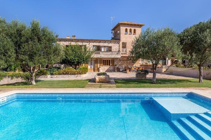 Maison de vacances rurale Son Colom avec Wi-Fi, Terrasse, Jardin & Piscine ; Parking disponible