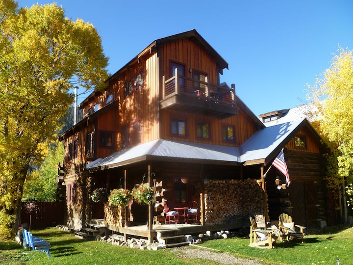 Last Great CB Ski Cabin-Free Snowshoes & Snowsleds