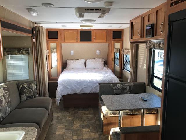 Delightful RV Camper Tranquil Charm - Maricopa