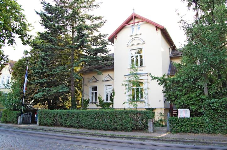 Zentrum nahe FeWo in historischer Stadtvilla